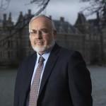 Rabbijn Abrahm Cooper haalt hard uit naar het kabinet over nieuwe slachtregels
